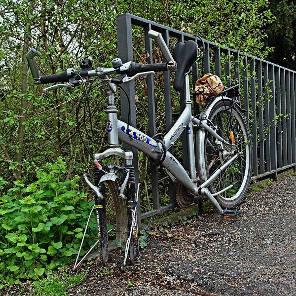 In Zukunft sollen Fahrraddiebstähle mit neuer Erfindung verhindert werden (Foto:  Rudolpho Duba  / pixelio.de)