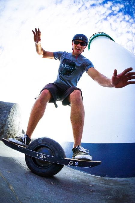 Selbst balancierendes Skateboard Onewheel (Foto: Future Motions)