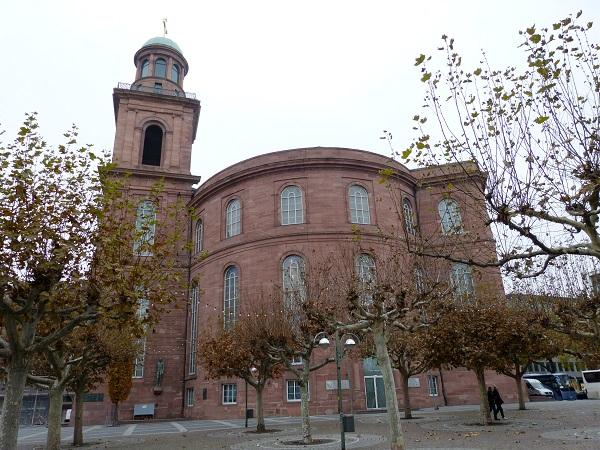 Auch die Paulskirche gehört zum Frankfurter Stadtgeläute (Foto: Dieter Schütz  / pixelio.de)